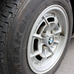 BMW2002tiiのタイヤ